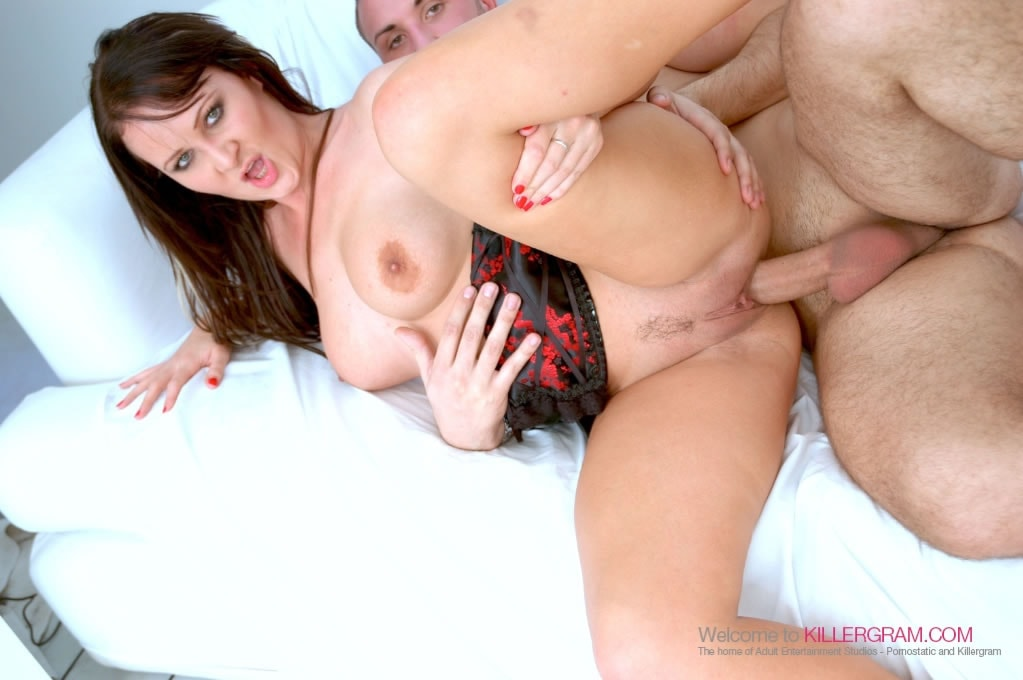 Amber Lee - A Swing Style Threesome