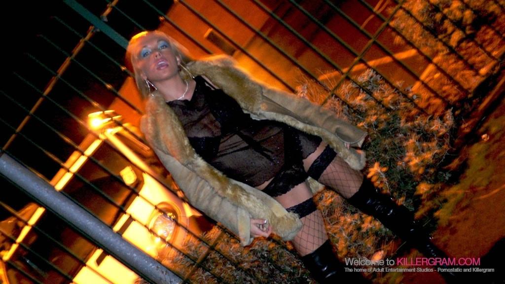 Anaya Leon - A Posh Street Slut