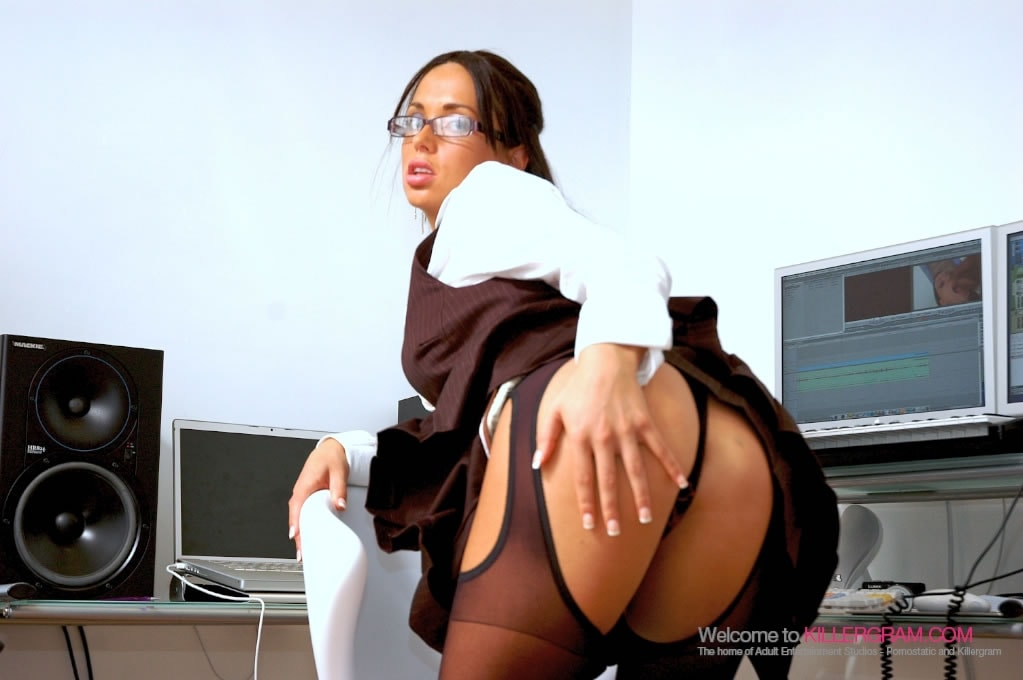 Anaya Leon - Editing The Scene