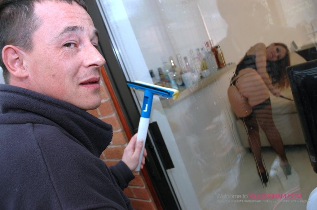 Angel Reece - Fuck The Windowcleaner