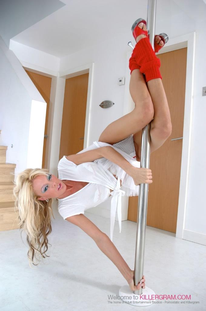 Antonia Deona - The Pole Dancer