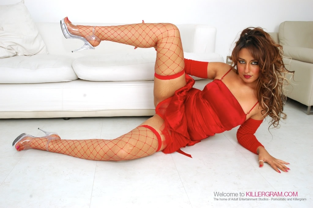 Ariana Mistry - A Red Hot Asian