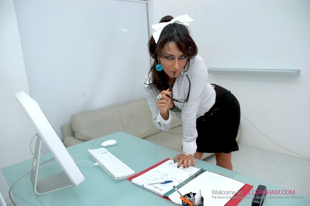 Ariana Mistry - Amazing Oral Skills