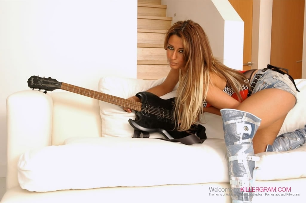 Ariana Mistry - Hard Riffed Deep Fucked