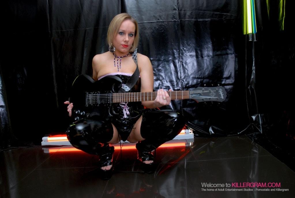 Ashley Rider - A Rock Chick Cum-Slut