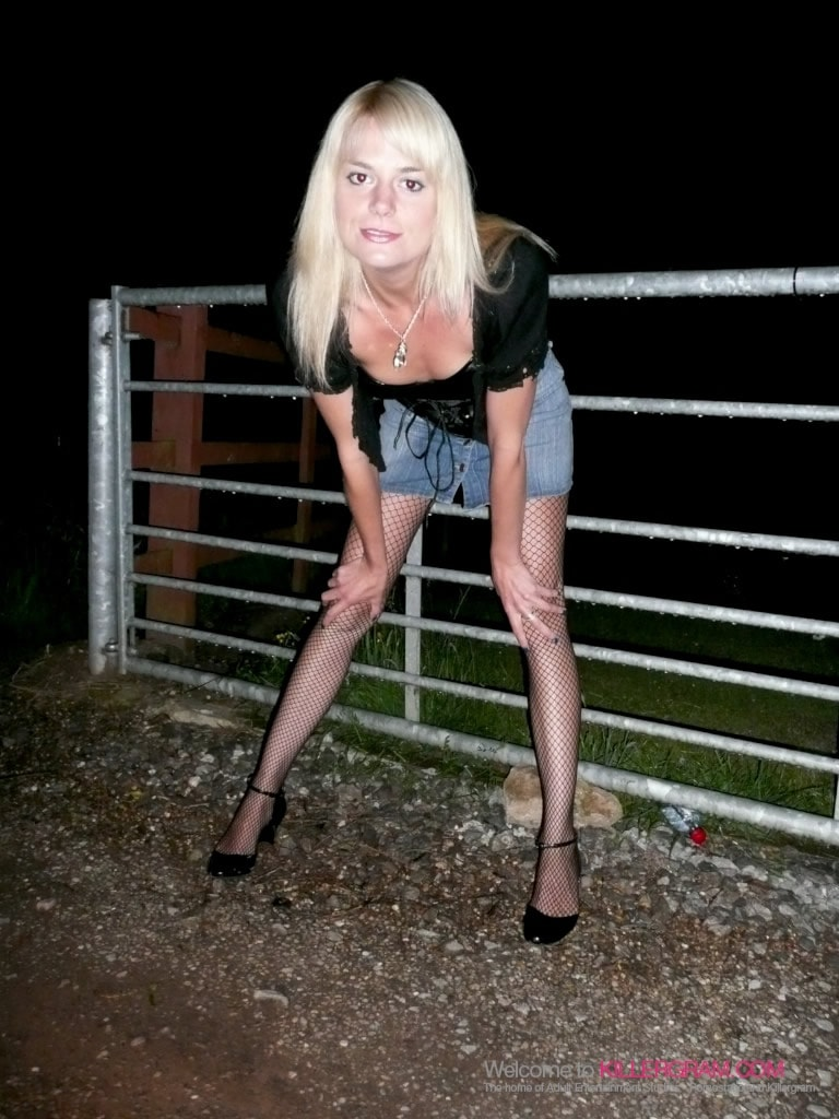 Ava Martin - Addicted To Dogging