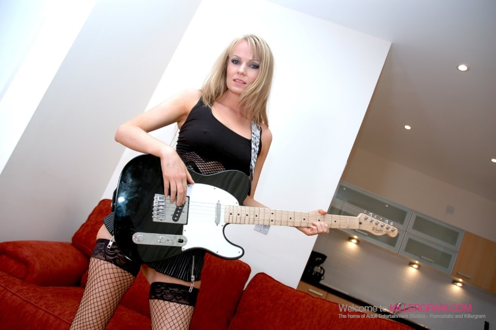 Carolina De Lys - A Rock Chick Honey
