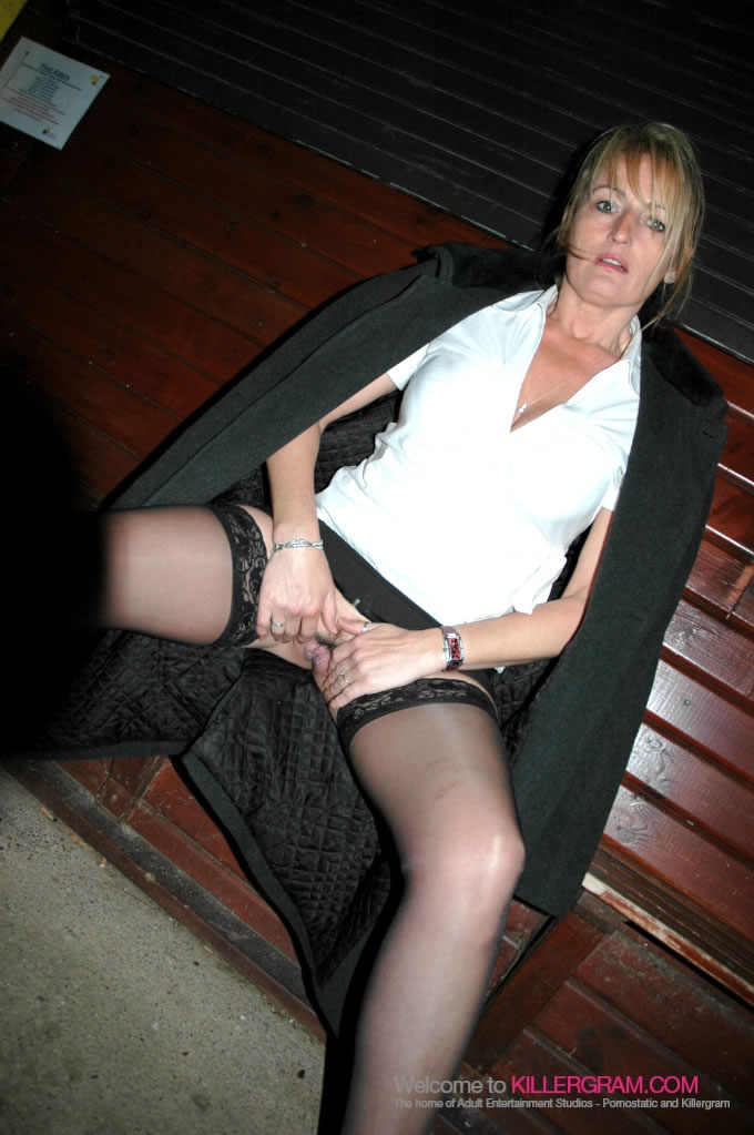 Crystal Saunders - A Dogging Sexy Milf