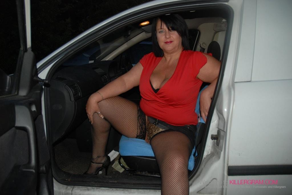 Curvy Danielle - A Dogging Debut