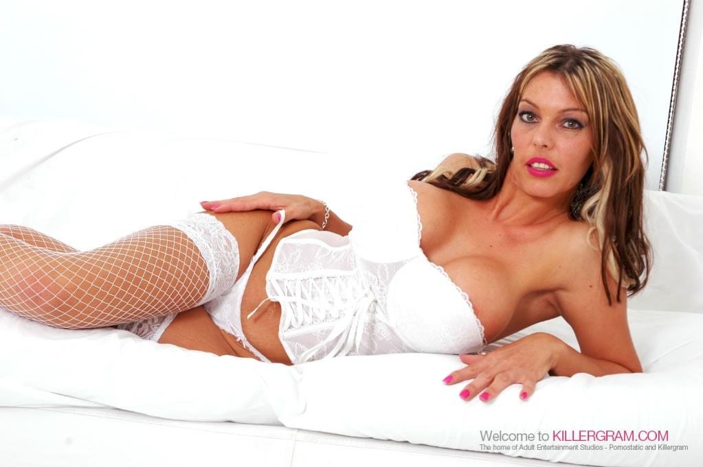 Daniella Aire - A Model Milf