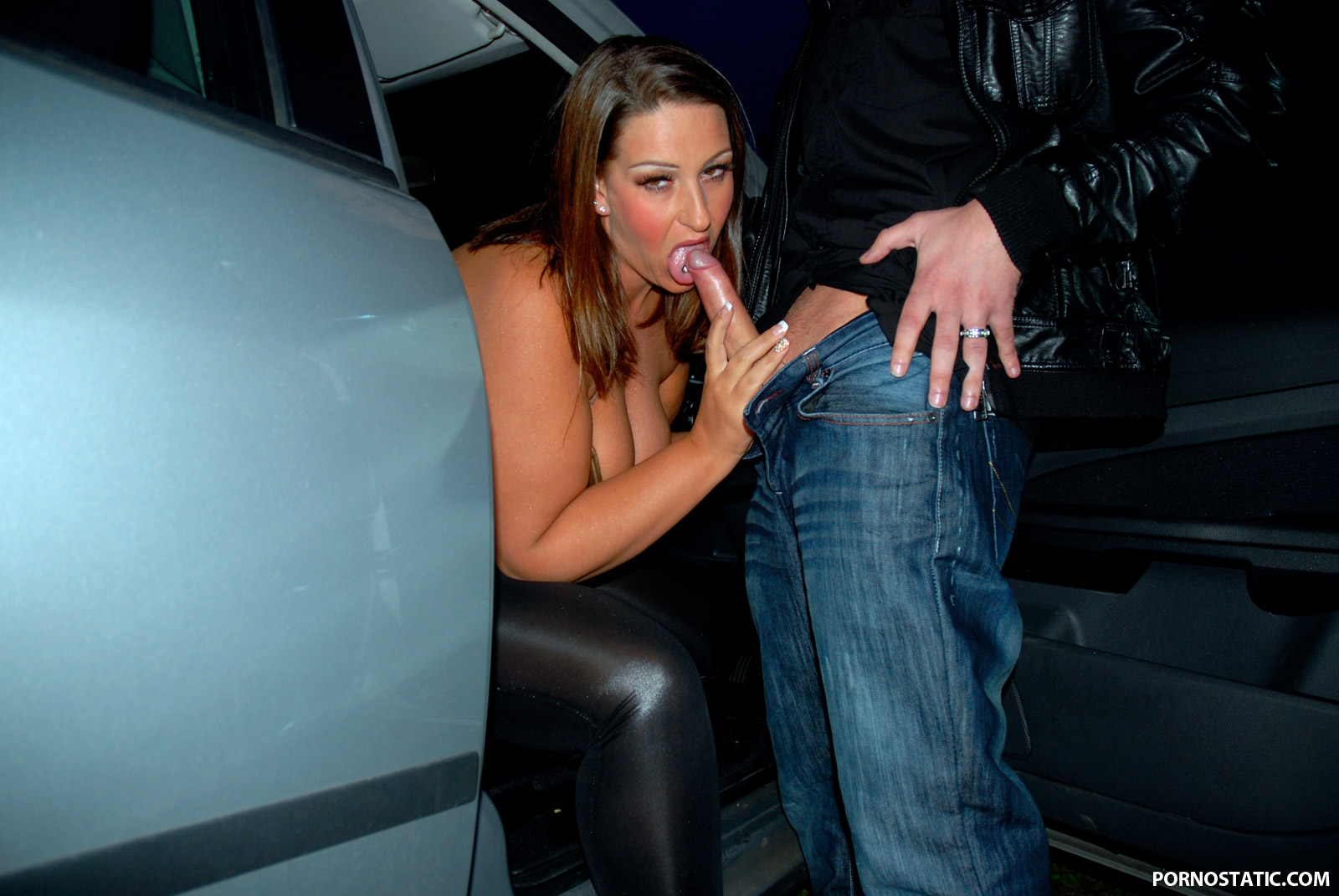 Danni Sweet - Big Tit Dogging