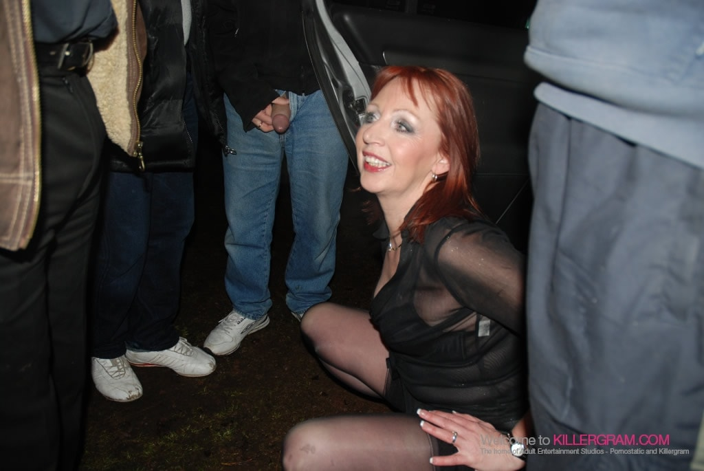 Dee Sanders - Goes On Dogging Mission
