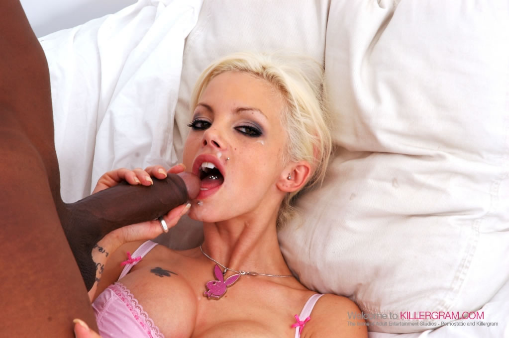 Delta White - Perfect Black on Blonde