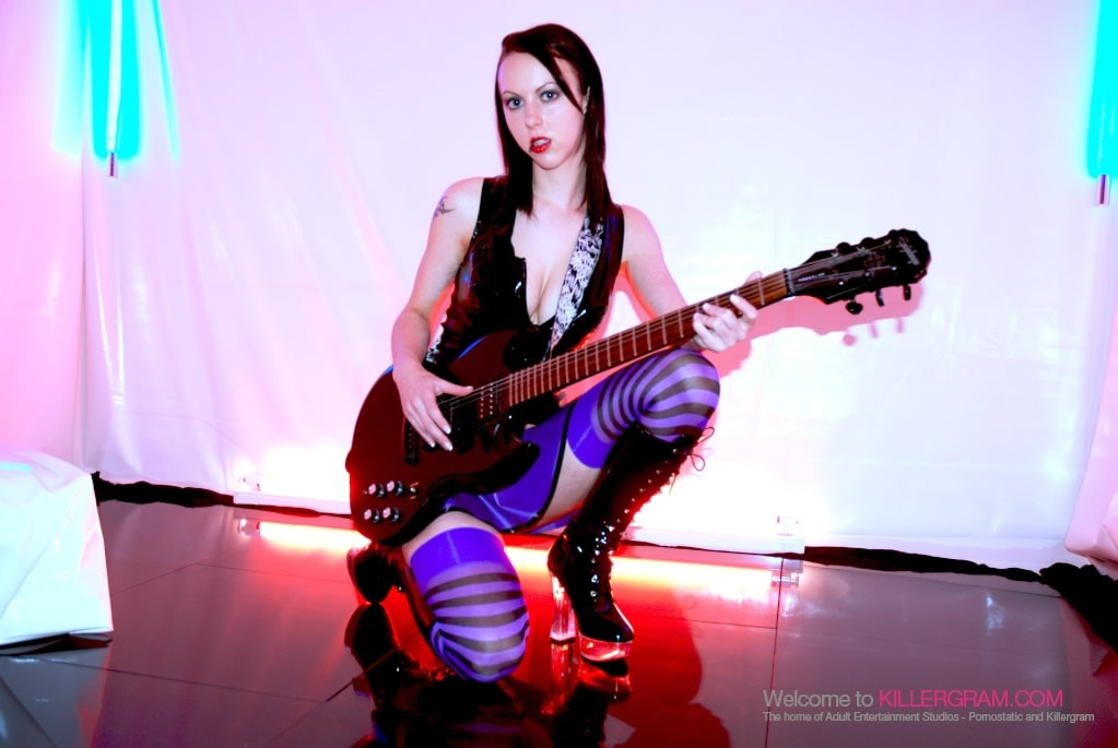 Emily X - Pure Rock Chick Fuck
