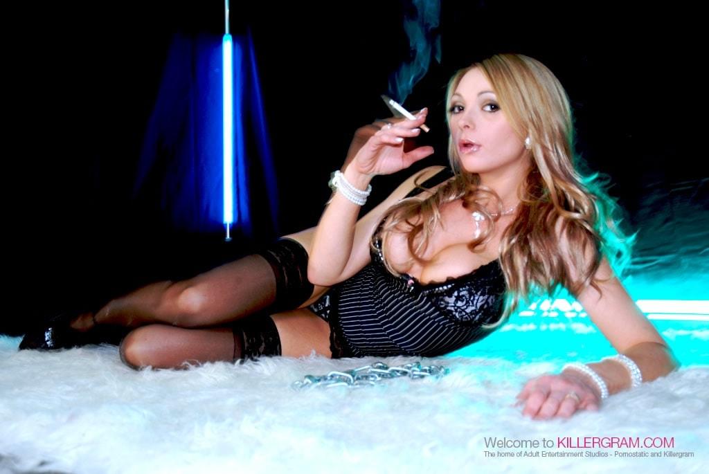 Eva Martin - Hot Smoking MILF