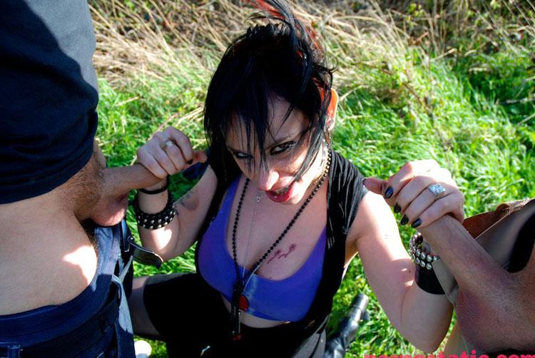 Gina Snake - Outdoor Dogging