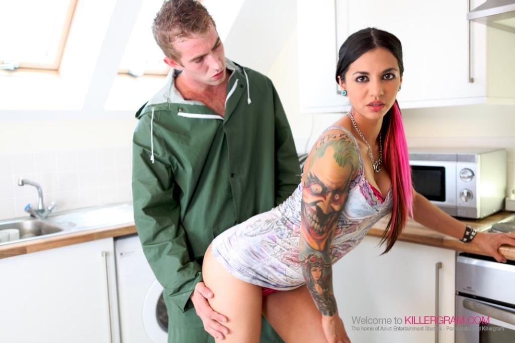 Holly Dee - The Huge Cock Handyman