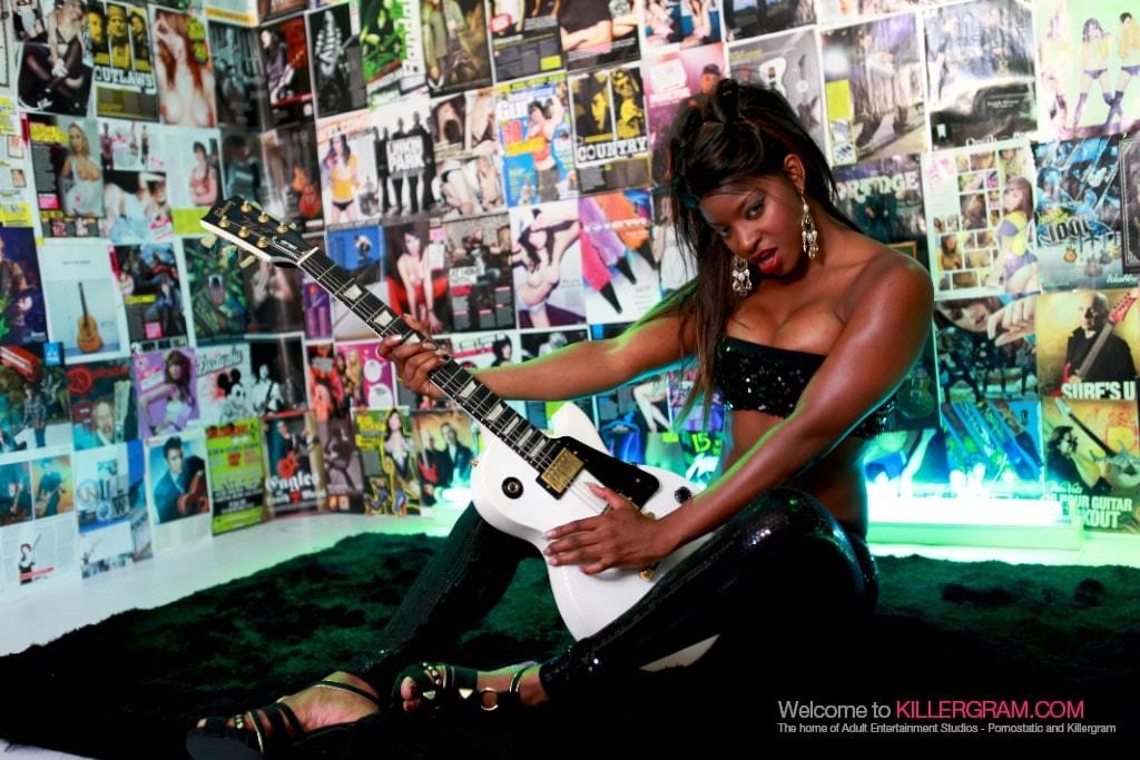 Jasmine Webb - Back In Black