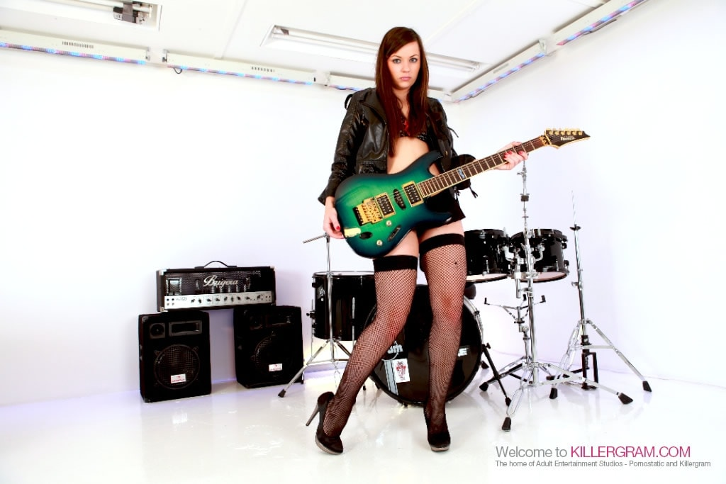 Kaitlyn Andrews - The Teeny Rocker
