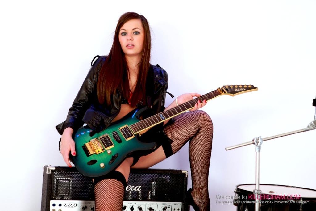 Kaitlyn Andrews - The Teeny Rocker