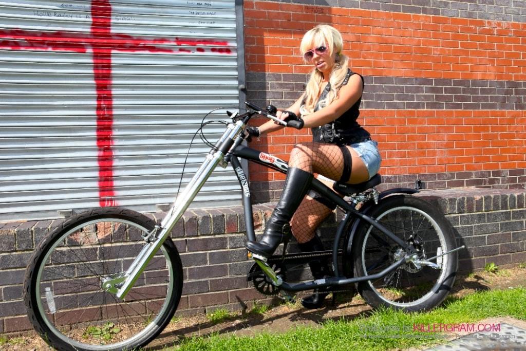 Loz Lorrimar - Deep Anal Girly Rider