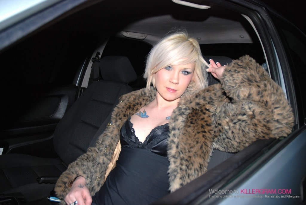 Mandy Cinn - A Dogging Virgin