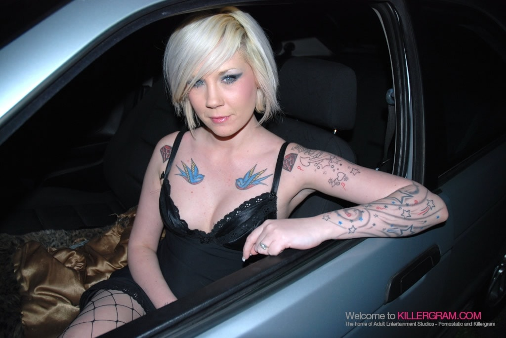 Mandy Cinn - A Dogging Virgin