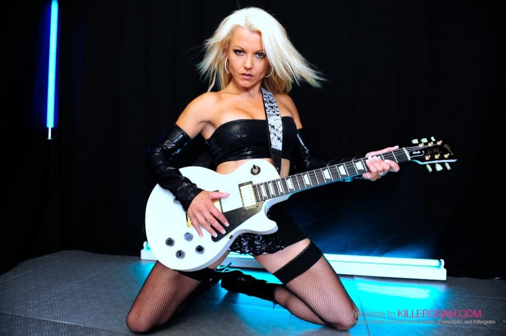 Mia Fortune - A Super Hot Rock Slut