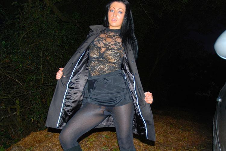 Nikki Blows - A Dogging Debut