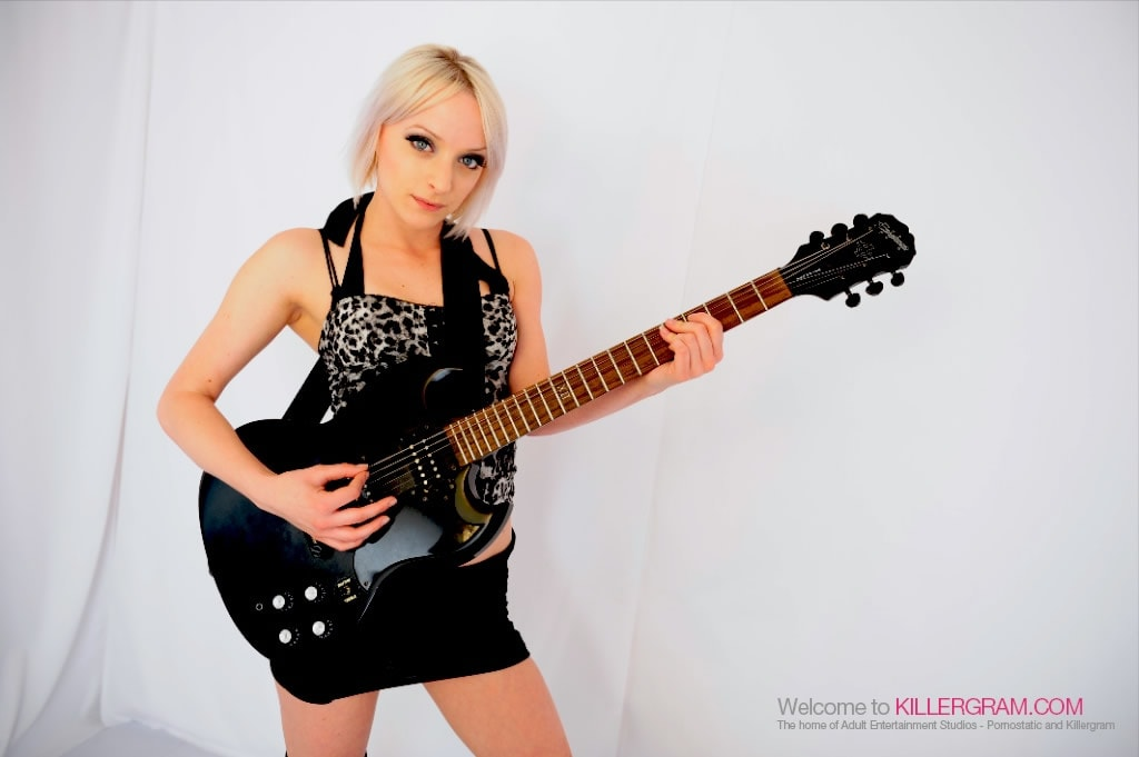 Paige Fox - A Genuine Rock Chick
