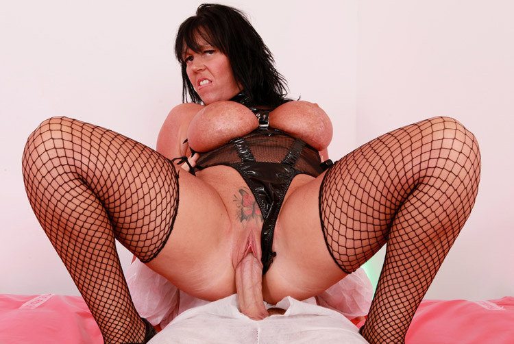 Peaches Delight - Kinky MILF Therapy