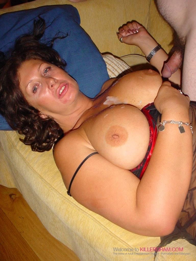 Sara Beattie - The MILF Loves To Party