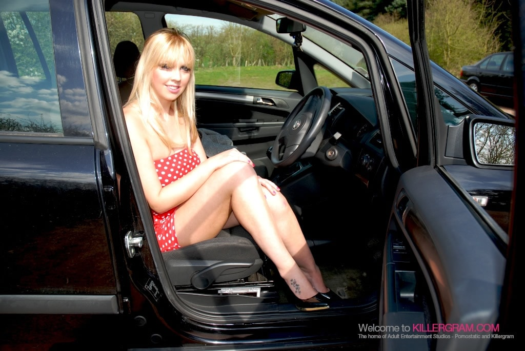 Scarlet Lovatt - Hot Fucking Dogging