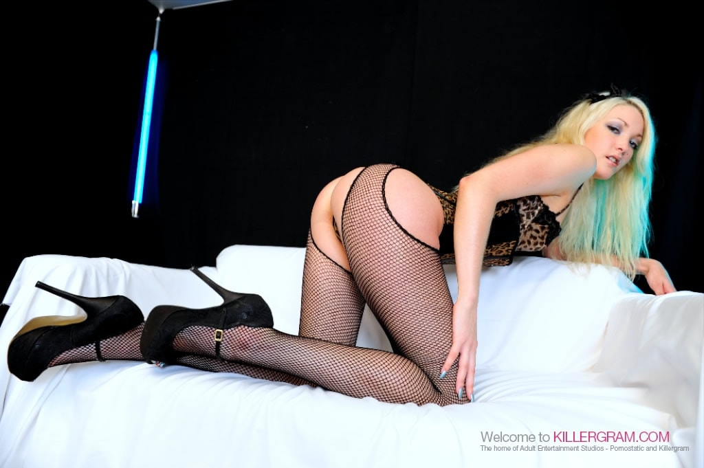 Tamara Grace - Posh Blonde In Nylons