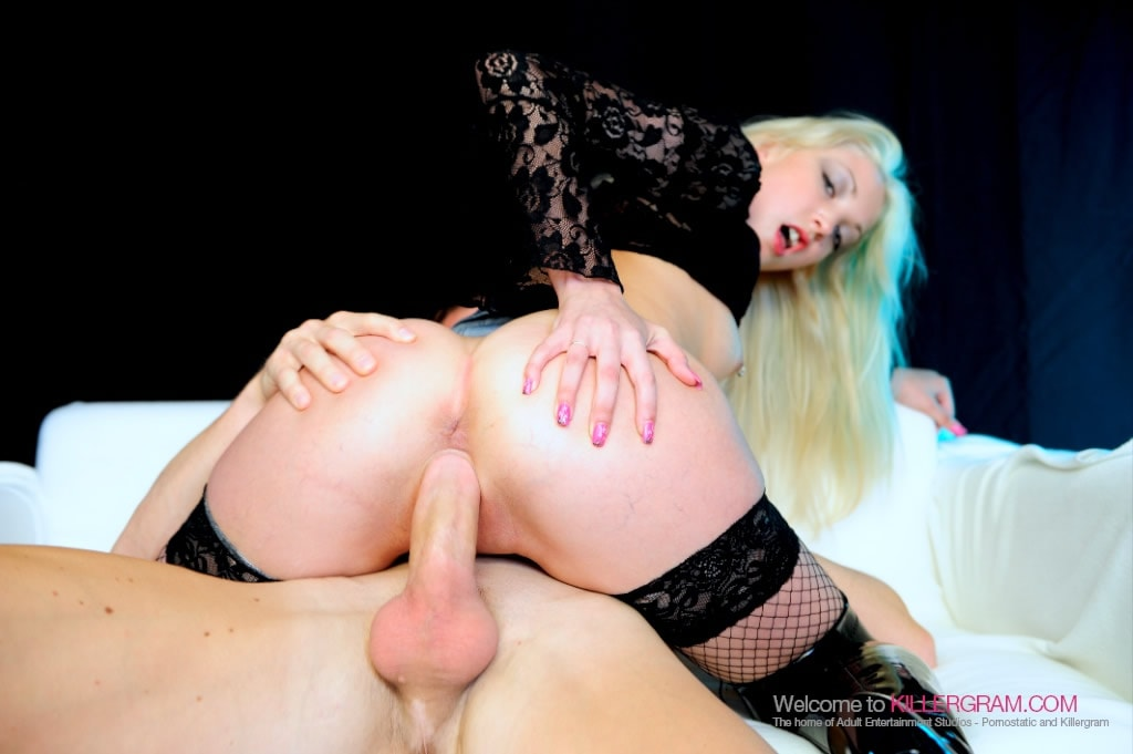 Tamara Grace - Posh Streetwalking Totty