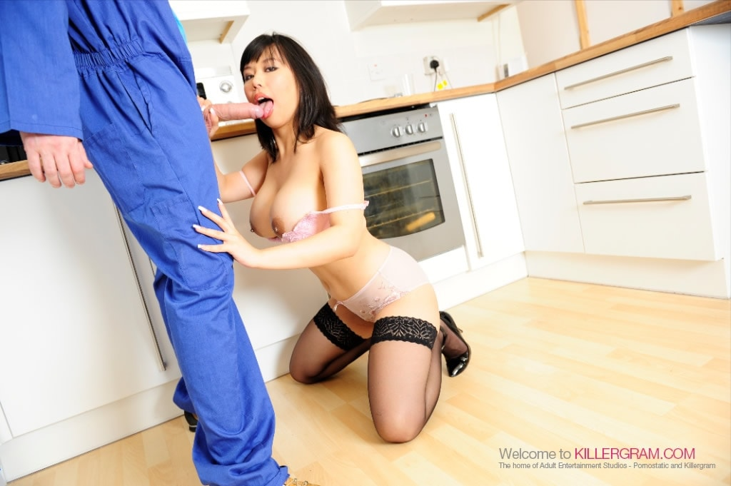 Tigerr Benson - A Handyman Threesome