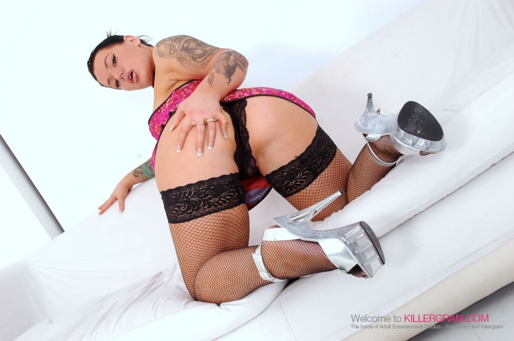 Tina Marie - Experience The Black Cock