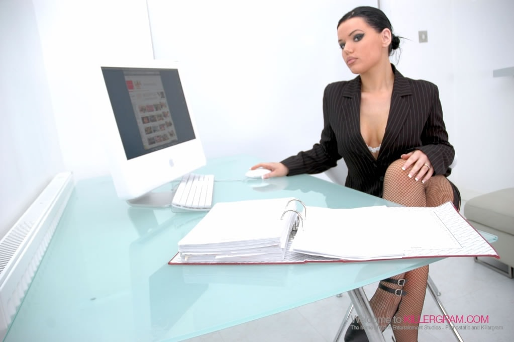 Tina Marie - Taking Big Dicktation