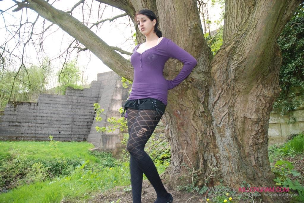 Zarina Masood - Hot Indian Dogging